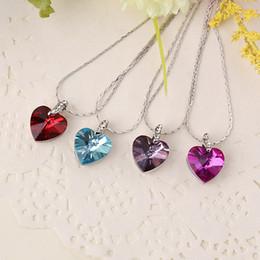 Colgante de zafiro titánica en venta-Corea del corazón de cristal de zafiro de la joyería collar titánico del corazón del océano collar de la aleación del Rhinestone de los corazones colgantes de los collares