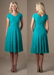 Wholesale Cheap Turquoise Lace Dresses - Turquoise Knee Length Vintage Lace Short Modest Bridesmaid Dresses Cap Sleeves V Neck Temple Country Bridesmaid Dresses For Cheap