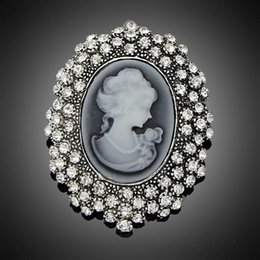 Wholesale Fashion Antique Silver Plated Vintage Brooch Pins Female Brand Jewelry Queen Cameo Brooches Rhinestone For Women Christmas Gift DHH093