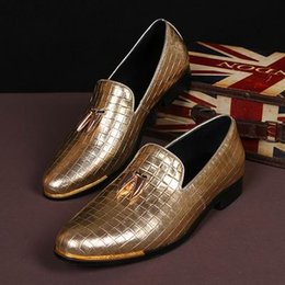Hot Selling Luxury Mens Leisure Leather Shoes Fashion Golden Dress Shoes Slip On Flat Shoes For Mens Party Street Shoes 38-46