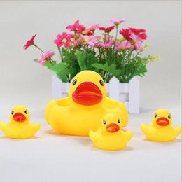 Wholesale Mother Duck Cute Baby Girl Boy Bath Bathing Classic Toys Rubber Race Squeaky Ducks Set Yellow Sale