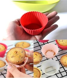 Wholesale Hot sale Round shape Silicone Muffin Cupcake Mould Case Bakeware Maker Mold Tray Baking Cup Liner Baking Molds