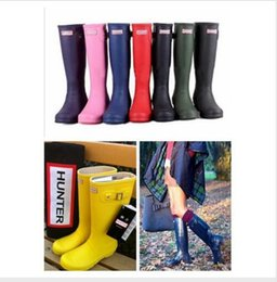 Wholesale Long Boots Hunter Boots For women Rubber Hunter Wellies waterproof Low heel hunters with Buckle Strap solid color hunter boots men shoes