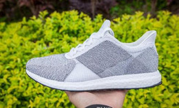 Wholesale Top Quality Originals NMD Runner W Ultra Boost Men Shoes NMD Futurecraft Tailored Fibre Mens Running sneakers Tubular Shoes Grey white