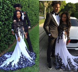 Vintage Black And White Lace Formal Celebrity Evening Dresses With Long Sleeves Off Shoulder Floor Long Special Occasion Prom Gowns 2016