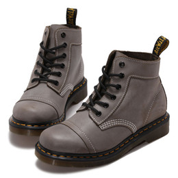 Wholesale Trendy Lace Up Boots British Style Light Grey Oil Wax Best Leather Boots Short Martin Boots