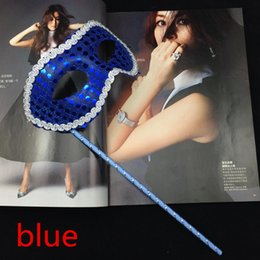 Wholesale New Simple Party Masks on Stick Sequin Coated Venetian Masquerade Mask Half Face Mask Halloween Novelty Gift mix color