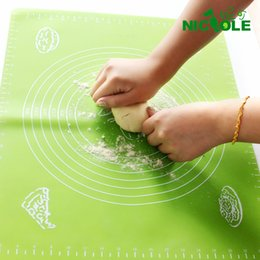 Wholesale temprature resistant soft silicone and surface pad antiskid chopping board oven baked dough cushion belt scale cm