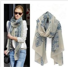 Wholesale The new scarf shawl European and American wind restoring ancient ways qiu dong female printed cloth with soft nap of blue and white por