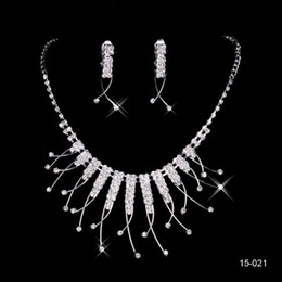 Wholesale Cheap Stone Necklaces - Hot Sale Holy Rhinestone Crystal Flower Earring Necklace Set Bridal Party Lobster Clasp Cheap Jewel Sets for Prom Evening Women 15021