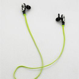 Deporte plana de cable Super Bass In-Ear Earphone para el teléfono de control remoto Runing Stereo Headset Bass Earbuds con micrófono desde bajo plano proveedores