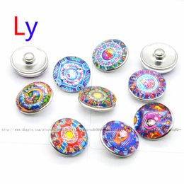 Wholesale Abstract painting style girl mm Button NOOSA Ginger Snap Charms interchangeable jewelry Charms Pendants Necklace Mixes YD0080