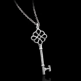 New Fashion Key charms Necklaces Luxury Silver Plated Chain key Pendant Long Necklace 2016 Elegant Women Jewelry