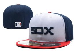 Wholesale 2016 best quality Chicago White Sox Embroidery Logo Fitted Hats Men Women Structured Fit Classic Sport Baseball men women Cap