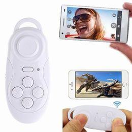 Descuento androide de la palanca de mando inalámbrico PS4 Controlador inalámbrico negro Gamepad Selfie obturador de música de control remoto para IOS Android PC PS4 controlador Joystick Xbox