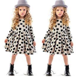 2016 fille chat cru 2-7Year Filles Vêtements Enfants Vintage Cat manches longues Tulle Enfants Robes de soirée fille chat cru sortie
