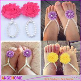Descuento sandalias de perlas flores Forme el bebé de la flor de la gasa de la gasa de la flor el primer caminante calza el anillo de los pies para los apoyos de la foto