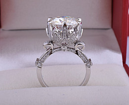 Luxury beautiful zircon wedding ring Women's flower Copper Plated Platinum Ring Rhinestone Lovers ring