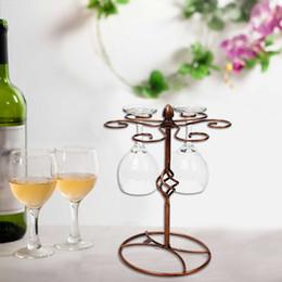 Supports métalliques pour le verre à vendre-Titulaire élégant vin Racks Vintage Bronze Verre à vin Bar Goblet Coupe Champagne Métal Etendoir Support en verre de vin rouge Hanger