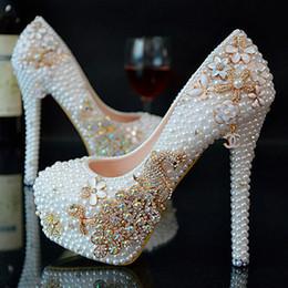 2017 perles de diamant hauts talons Nouveau mariage de cristal blanc effectué chaussures à talons hauts avec un diamant fines chaussures imperméables Pearl Wedding Bridesmaid femmes mariée chaussure perles de diamant hauts talons autorisation