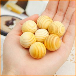 Wholesale 2 cm Natural Camphor Wood Balls Natural Insect Repellent Unfinished Wooden Balls for Crafts and Architectural Work Design