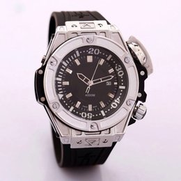Wholesale New Men Watch Luxury Watches Sports Big Dial Quartz Wristwatches Brand calendar dial Rubber Strap Big Bang Gift for men reloj