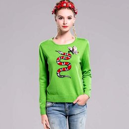 Wholesale New Arrival Autumn Women s O Neck Long Sleeves Embroidery Snake Elegant Green Runway Sweaters