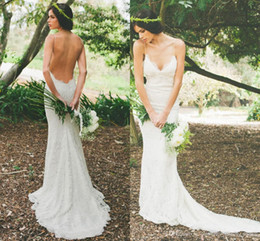 Simple Bohemian Lace Wedding Gowns Boho Casual Country Wedding Dress Sexy Backless Fitted Bridal Gowns Garden Beach Bridal Dress Spaghetti