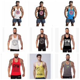 Promotion tops sans manches hommes le sport Men Gym tank Vest Tank Top sans manches T-shirt Bodybuilding Sport Fitness Vest Stringer Top Gymshark réservoir de musculation 17 conception KKA323