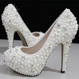 Compra Online Boda de la sandalia del tacón alto cm-Los zapatos nupciales de la boda de los cristales de las perlas de la manera calzan los zapatos nupciales por encargo de las mujeres del baile de fin de curso del partido del alto talón del tamaño 11 que envían libremente