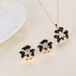 Wholesale The latest fashion style diamond jewelry earrings necklace suit allergy anti fatigue effect Care accessories manufacturers stainle