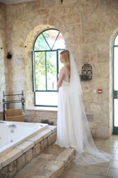 New Top High Quality Best Sale Elegant Luxury Chapel Length White Ivory Cut Edge Veil Bridal Head Pieces For Wedding Dresses Alloy Comb