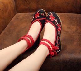 2016 Spring Woman Plum Flower Embroidery Casual Shoes Women Canvas Footwear Increasing Ballerinas Shoes Old Peking Wedge Pumps