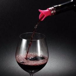 2017 verre bouchons de vin Bouchon de bouteille de vin de silicone pourer 6 couleurs Glass Wine Pourer Bouchon de verseuse de liquide de boue de pourteur de bouteille de vin bon marché verre bouchons de vin