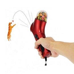 Wholesale 100pcs Pet Treat Launcher Pets Food Spray Gun Pet Feeding Catapult Gun Dogs Cats Outdoor Interactive Toy