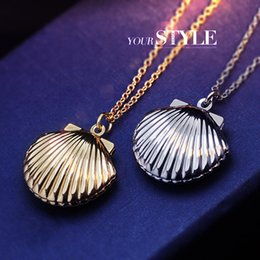 New Floating Locket shell shape Pendant necklaces 18K metallurgical box necklaces can put photos Statement necklaces