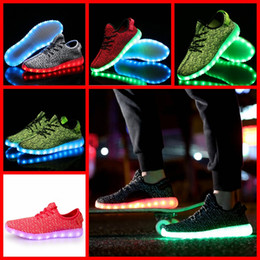 Wholesale Vender PAIR LJJH1281 caliente de la marca de calidad superior Nuevo Kanye West LED Boost de hombres mujeres zapatillas de deporte de colores