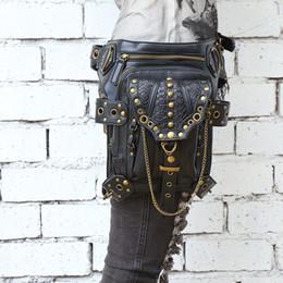 2017 téléphones cellulaires concepteur Steampunk Fanny Waist Packs Meilleur qualité PU Leather Mini Crossbody Bag Designer Rivet Sac à bandoulière pour femme / homme bon marché téléphones cellulaires concepteur