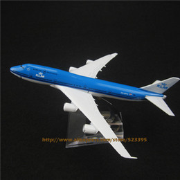 Wholesale cm Alloy Metal AIR KLM B747 Airlines Plane Model Boeing Airways Airplane Model W Stand Aircraft Toys Gift