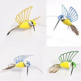 Wholesale 2016 hot creative solar hummingbird flying fluttering birds resin colorful home and garden decoration environmental dual use home toy