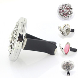 Wholesale 38mm Magnetic Stainless Steel Car Aroma Perfume Locket With Crystal Essential Oil Car Diffuser Lockets