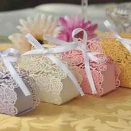 Rose Laser Cut Hollow Carriage Baby Shower Wedding Favors Boxes Gifts Candy Boxes Favor Holders With Ribbon Wedding Party Favor Supplies