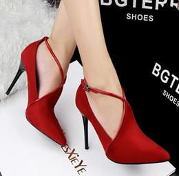 Rouges à semelles chaussures habillées en Ligne-les femmes chaussures habillées hauts talons sexy bout pointu Semelle Rouge Talons Chaussures Femmes Pompes mariage vert Chaussures Valentine Chaussures Chaussures Red Sole
