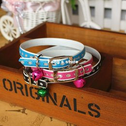 Wholesale Cute pet collar dog collar with a special bell cat dog supplies special offer circle flash powder