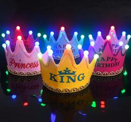 Wholesale Del casquillo del partido cumpleaños de los niños el año nuevo LED luz corona headwear princesa príncipe rey crown cap Halloween navidad