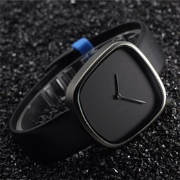 Wholesale Features of the new cobblestone creative simple and stylish casual slim leather belt watch men and women watch Clock luxury brands in Denmar