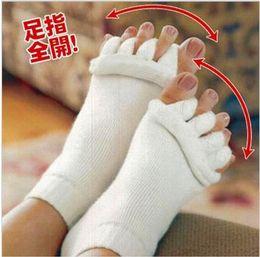 Wholesale 5 colors Comfy Toes Sleeping Socks Massage Five Toe Socks Happy Feet Foot Alignment Socks