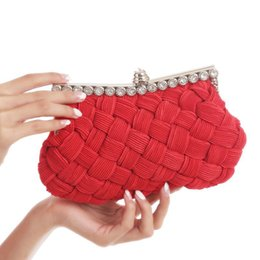 Wholesale The fashion tide process new women s handbags bag package dinner package bag multi color bride big red