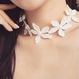 Korean Special Short Necklace Lace White Flower All-match Neck Chain Bib Statement Necklace Jewelry for Women Girls