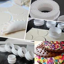 Wholesale NEW6Pcs Round Plastic Scalloped Fluted Reversible Cookie Pastry Biscuit Cake Cutter